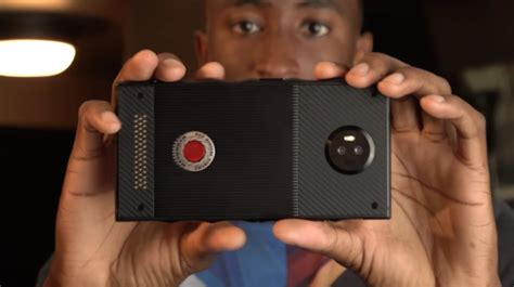 First Look at RED's Hydrogen Holographic Smartphone - VRScout