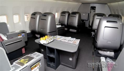 REVIEW: Flying Qantas Business Class