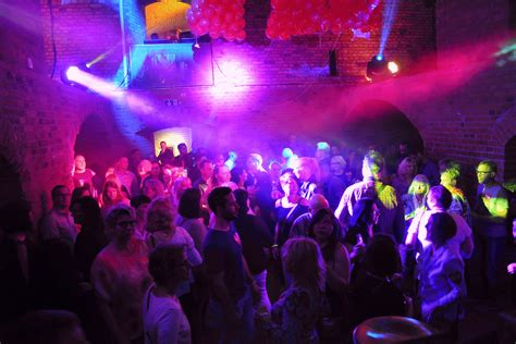 Single party magdeburg