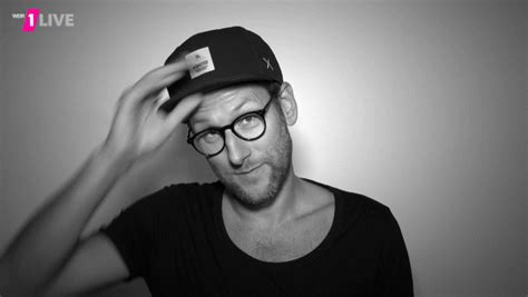 Hats Off Simon Beeck GIF by 1LIVE - Find & Share on GIPHY
