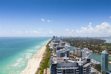 Looking down South beach on a beautiful day - Rejsesiden